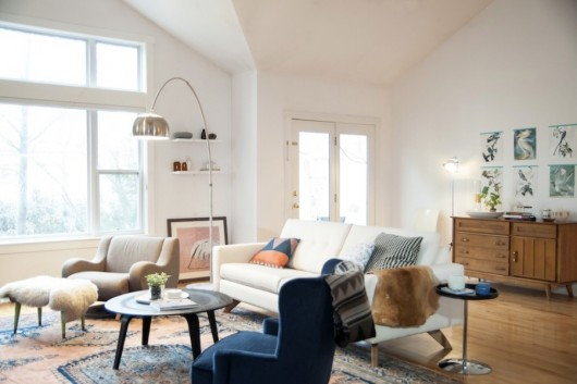 Home of Kristin Grove via Style Me Pretty. Photo by Allison Corona.